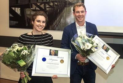 Esther Crabbendam (FNV Jong) en Michiel Hietkamp (CNV Jongeren)
