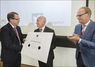 Aart van der Gaag benoemd tot erelid van de ABU