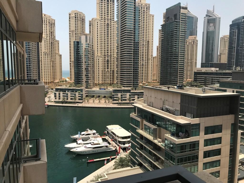 Uitzicht vanuit appartement in Dubai