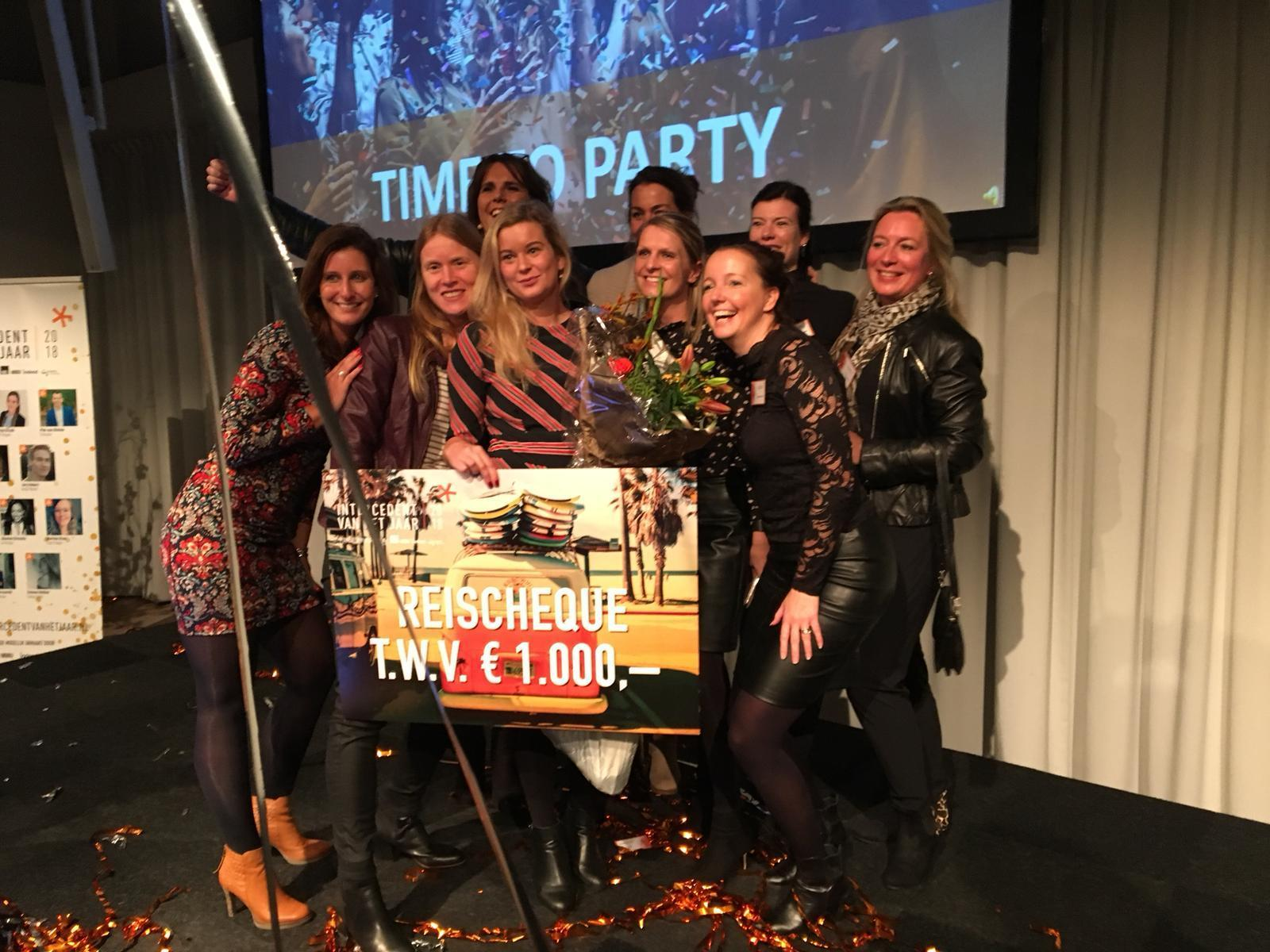 Simone Dekker met haar Tempo-Team collega's