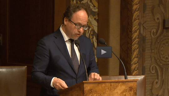 Minister Koolmees beantwoordt vragen in de Eerste Kamer
