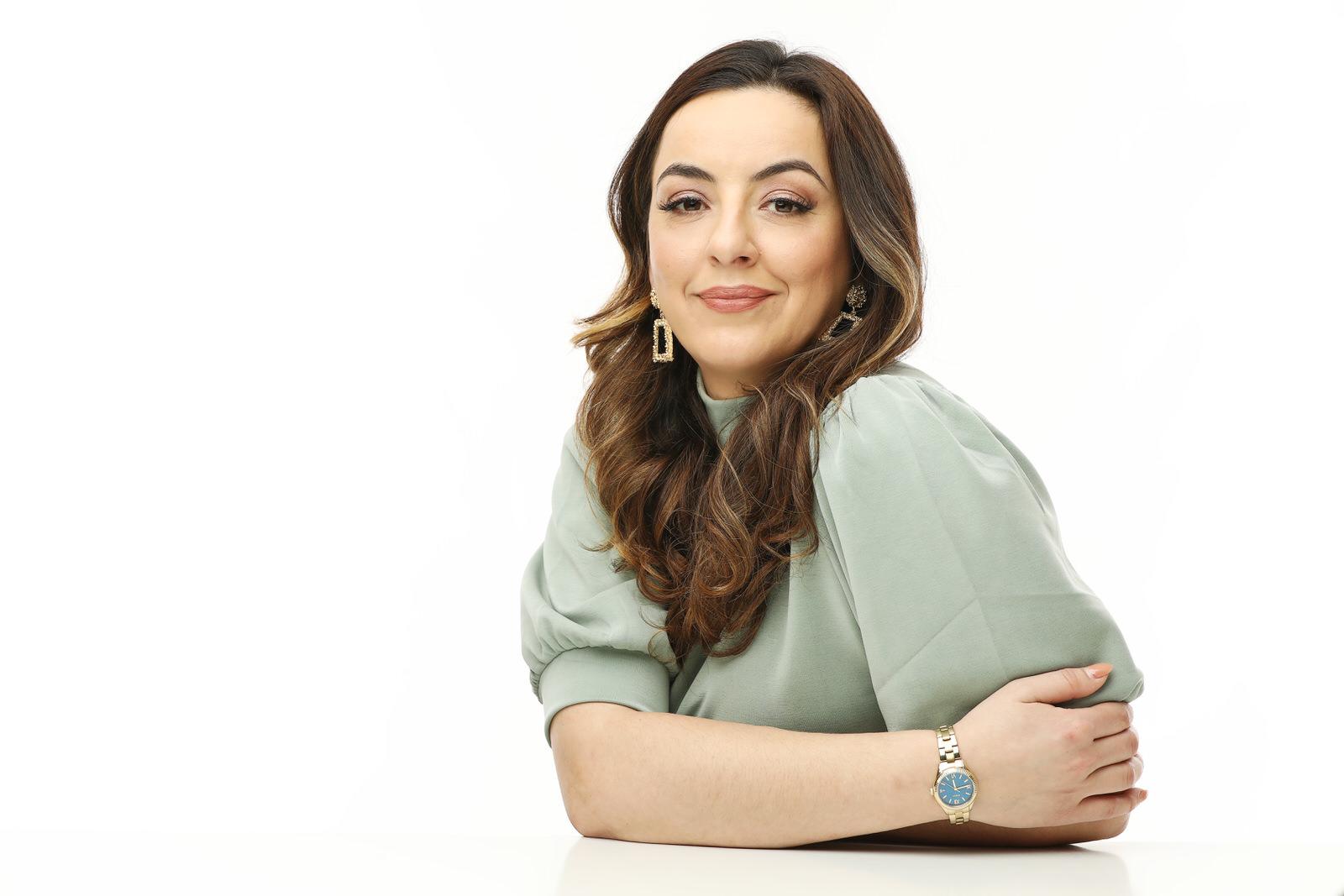 HR deskundige Elja Abdullaeva is oprichter van ConnectHer.eu