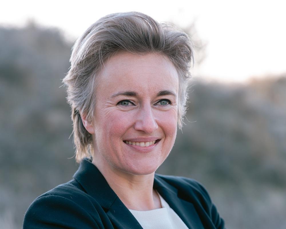 mr. dr. Esther Koot-van der Putte